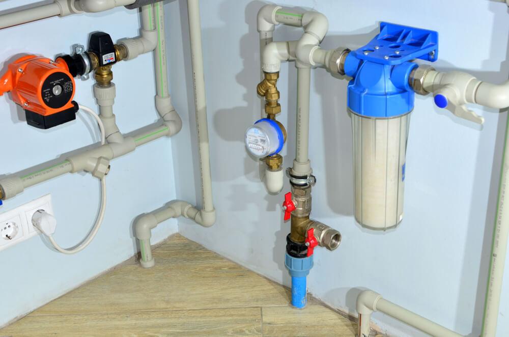 Sistem-de-filtrare-a-apei-sub-chiuvetă-sau-direct-la-țeava-principală